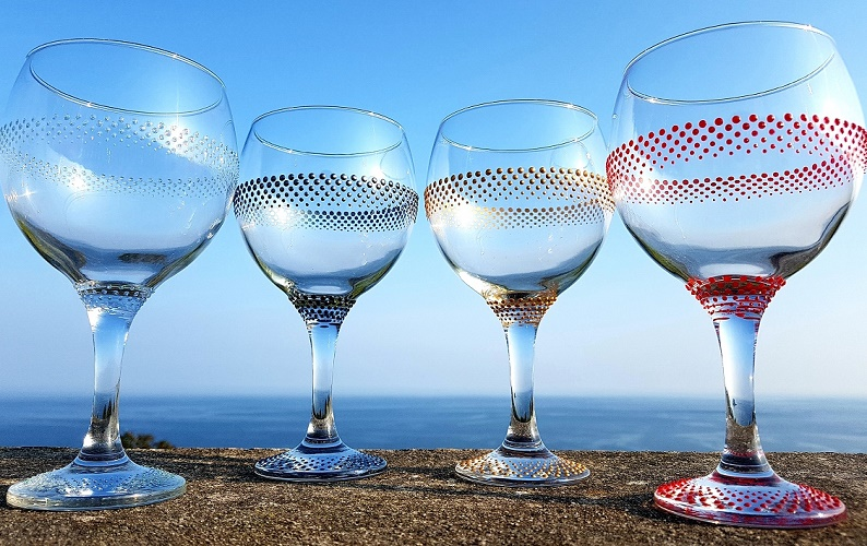Gill''s Gin Glasses Rainbow Glass